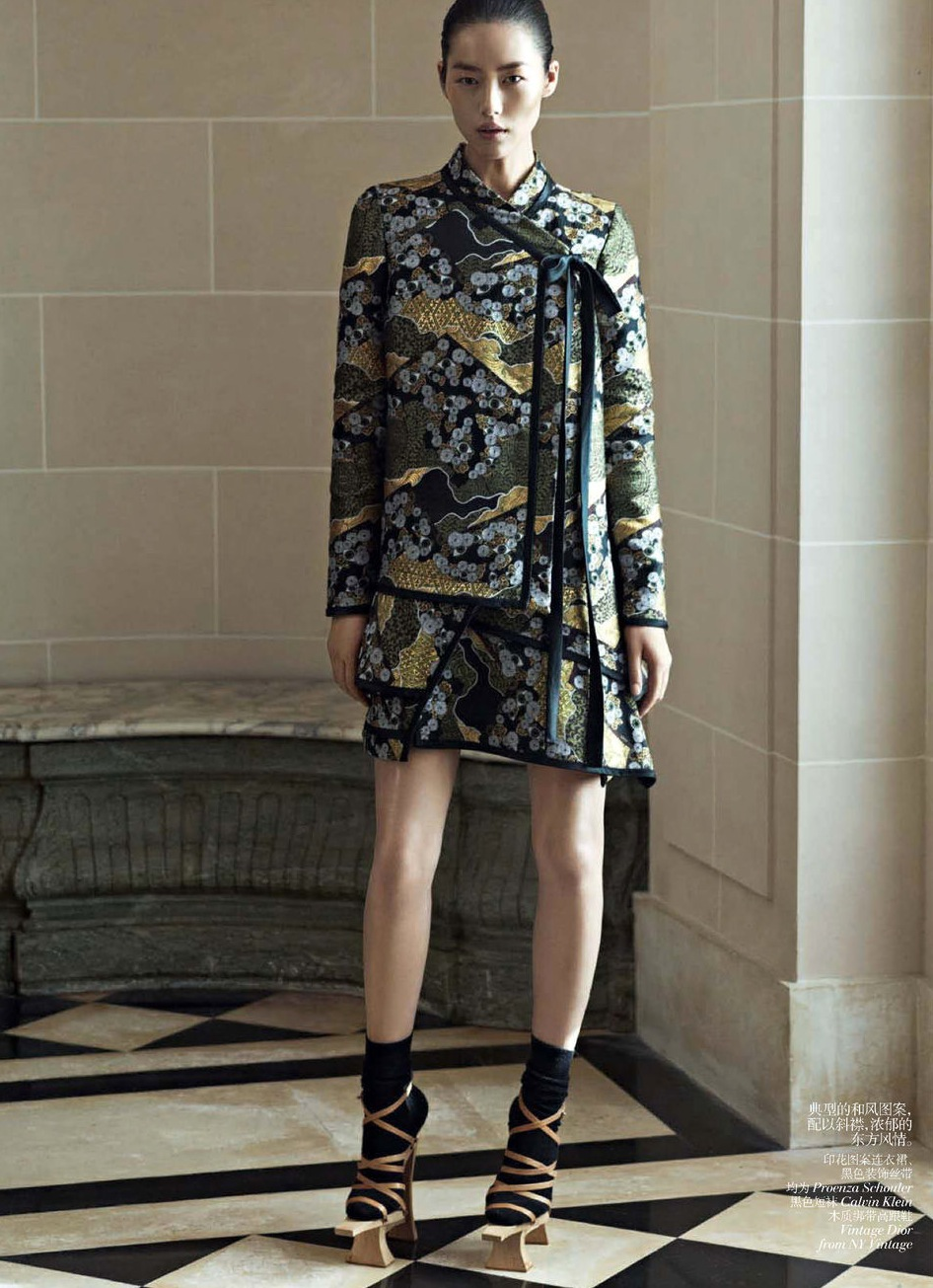Vogue China December 2012 - Oriental Tales feature Liu Wen-3