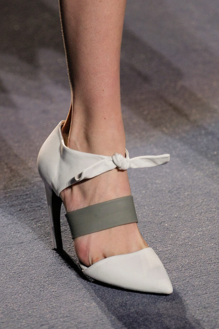 Proenza Schouler Fall Winter 2013 white knotted pumps