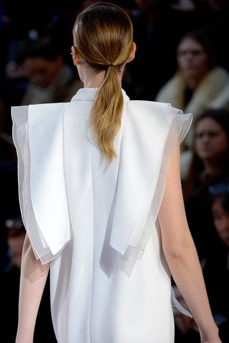Chloé Fall 2013 white dress back