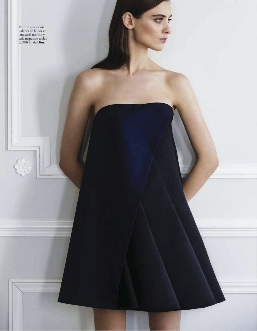 El Glamour Viene De Paris featuring Carolina Thaler for Elle Spain February 2013 by Pascal Chevallier black dress